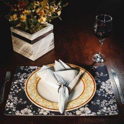kit jogo americano floral preto guardanapo branco portaguardanapo sushi mdecore kjg0049